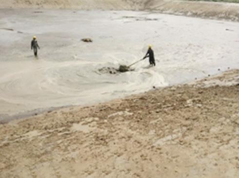 清理鱼塘淤泥